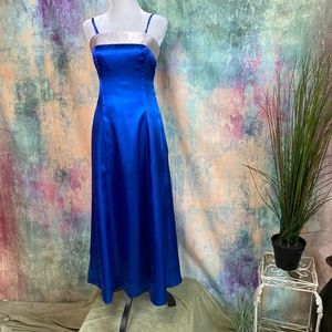 ⚜️ Beautiful Tailored Prom -Bridesmaid-Formal Gown